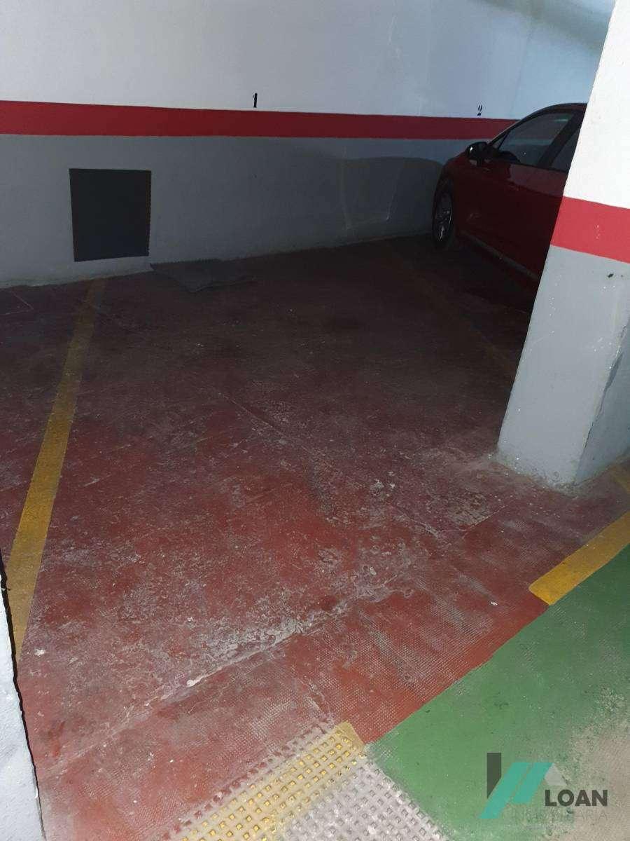 Plaza de garaje para coche pequeño o motos - AI0242134